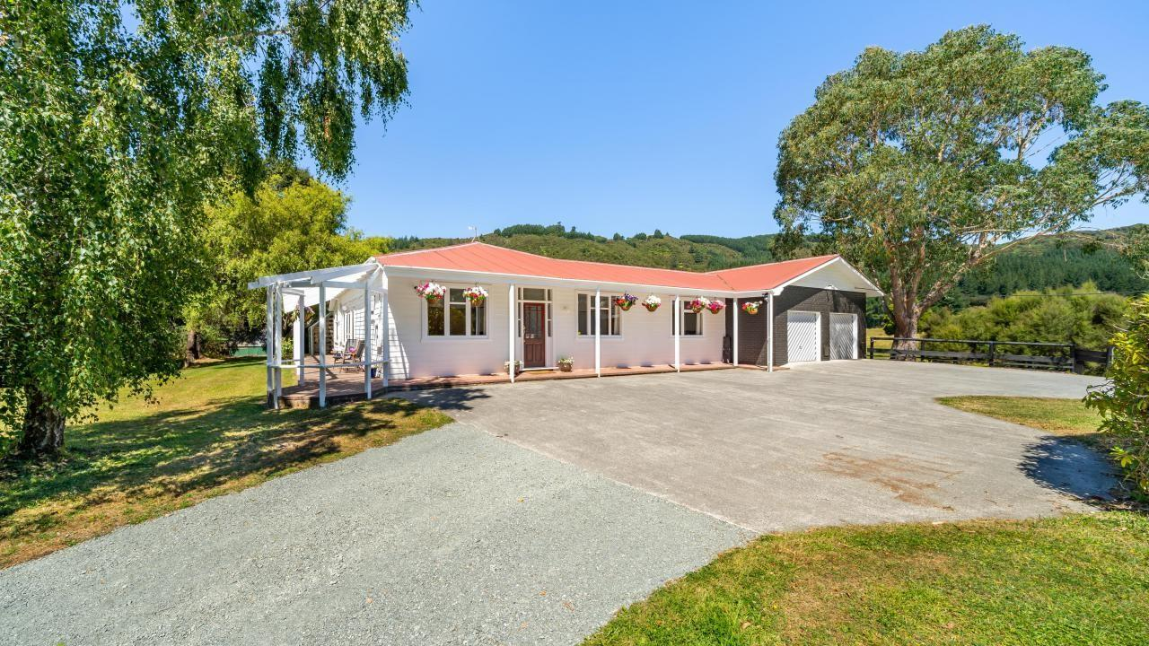 281F Katherine Mansfield Drive, Whitemans Valley