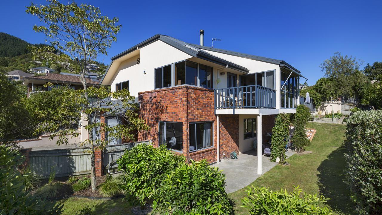 2 Lodestone Road, Richmond