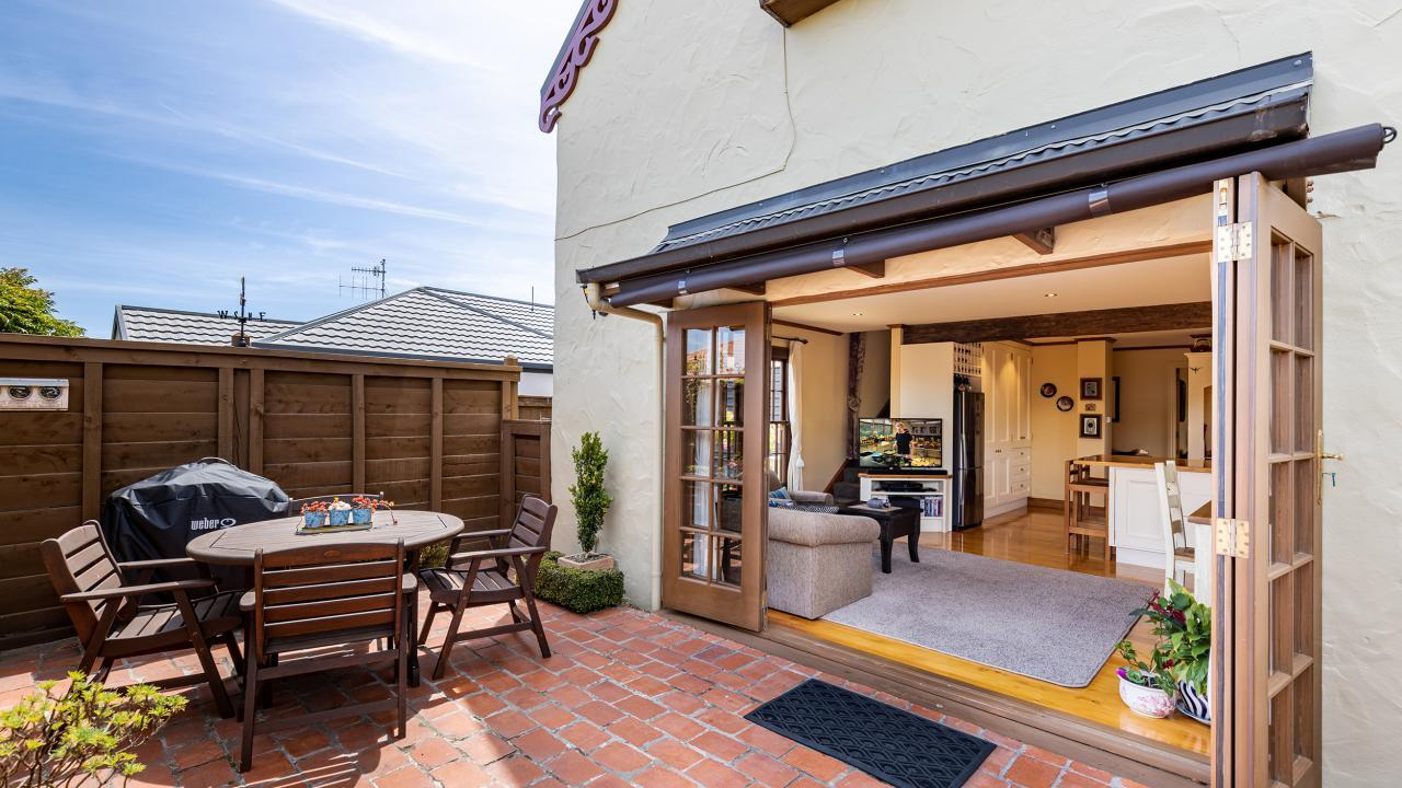 4 Pepper Tree Way, The Wood