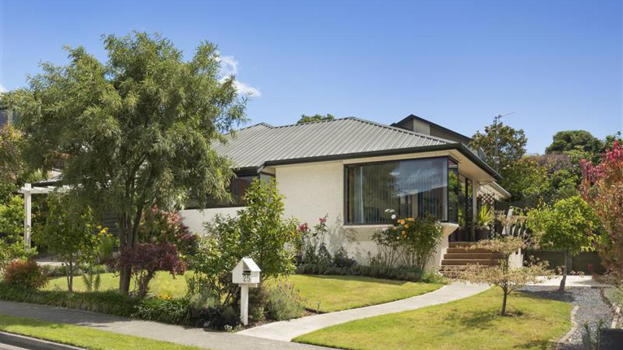 25 Washbourne Drive, Richmond