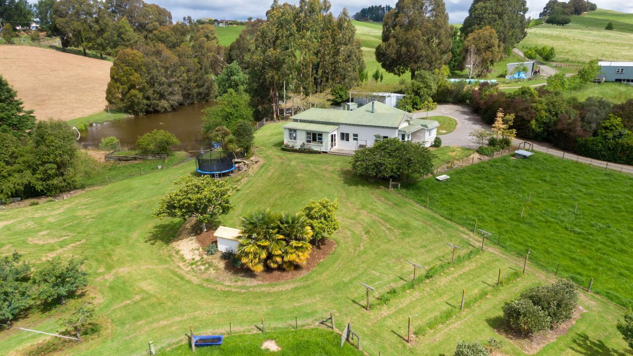 122 Malling Road, Redwood Valley