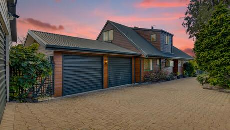 90 Malling Road, Redwood Valley