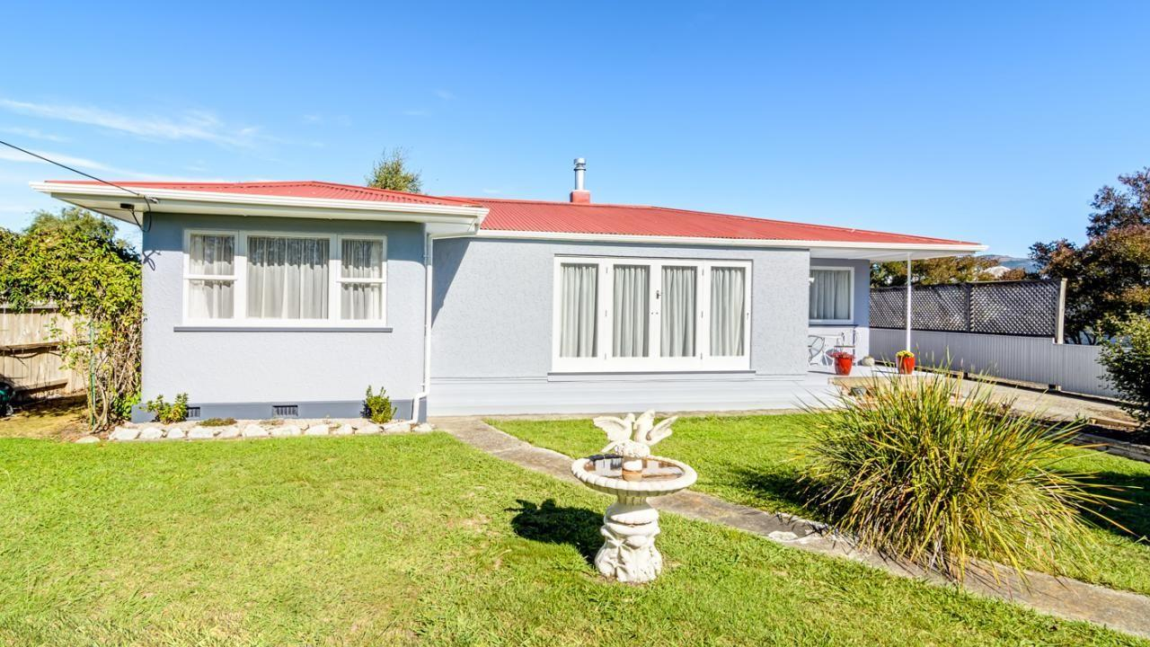 18 Main Road, Lower Moutere