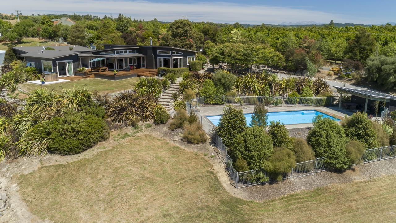 79 Malling Road, Redwood Valley