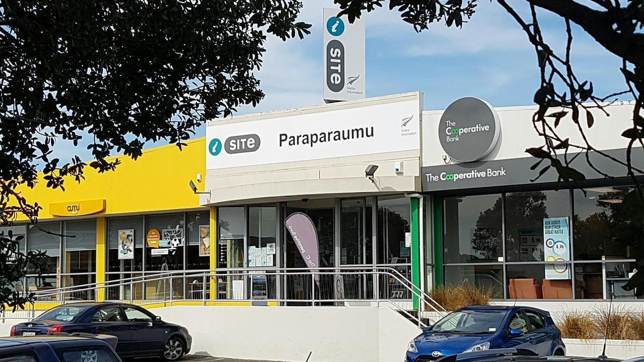 908 Coastlands Shopping Town, Paraparaumu