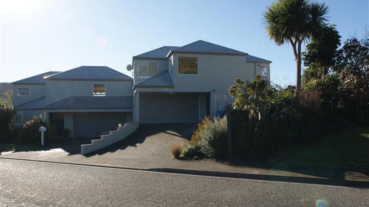 1 Matai Place, Waikawa