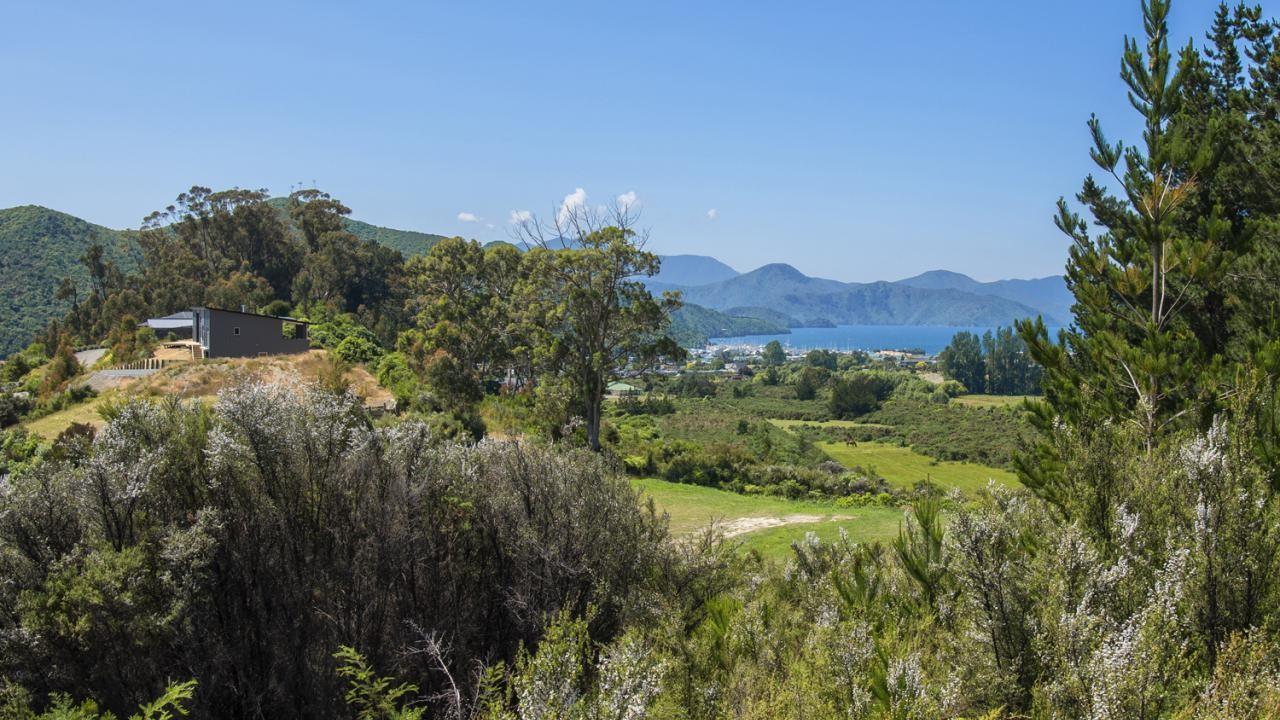 35 Tui Drive, Waikawa Bay