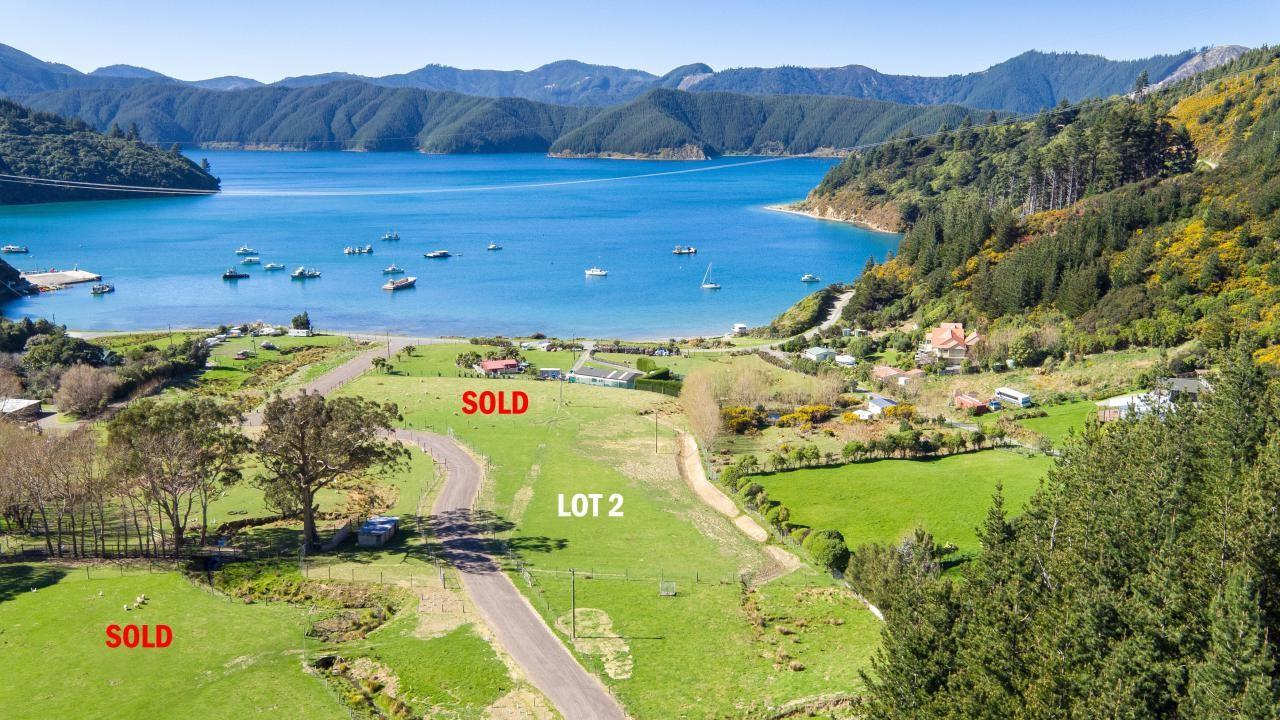 Oyster Bay , Marlborough Sounds