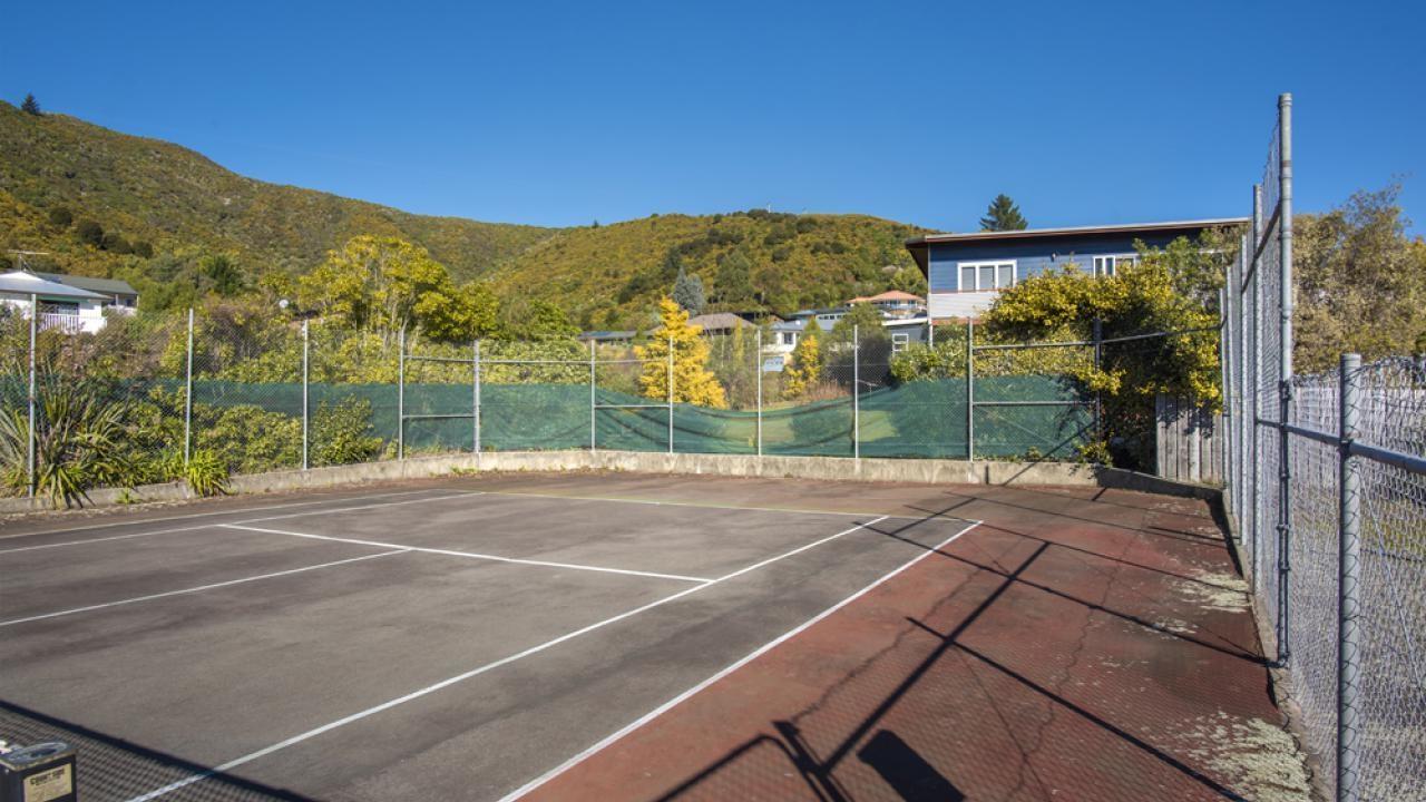 82 Moana View Road, Waikawa