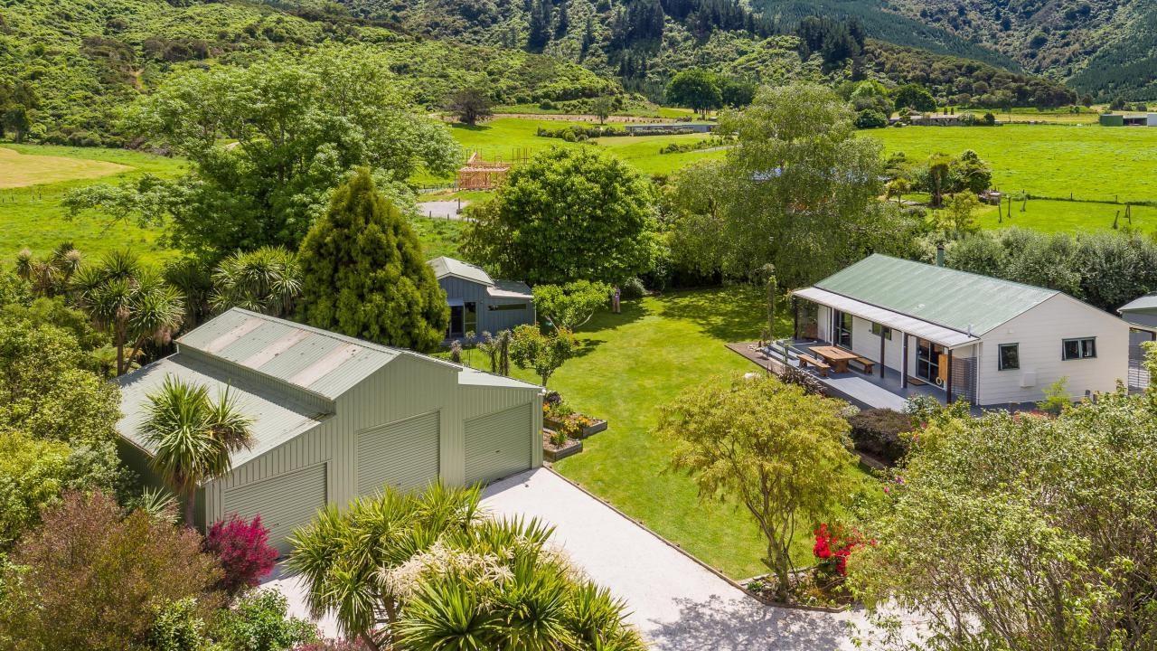 5B Lady Cobham Grove, Anakiwa