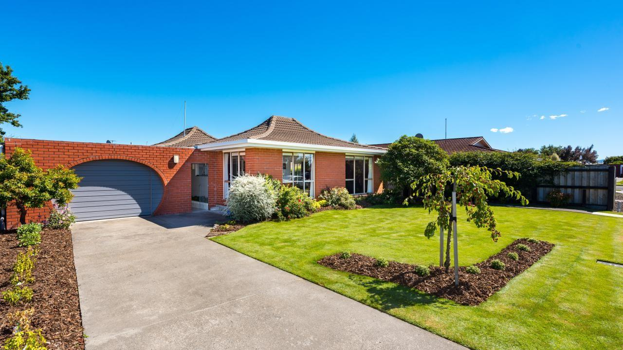 4 Manor Place, Redwoodtown