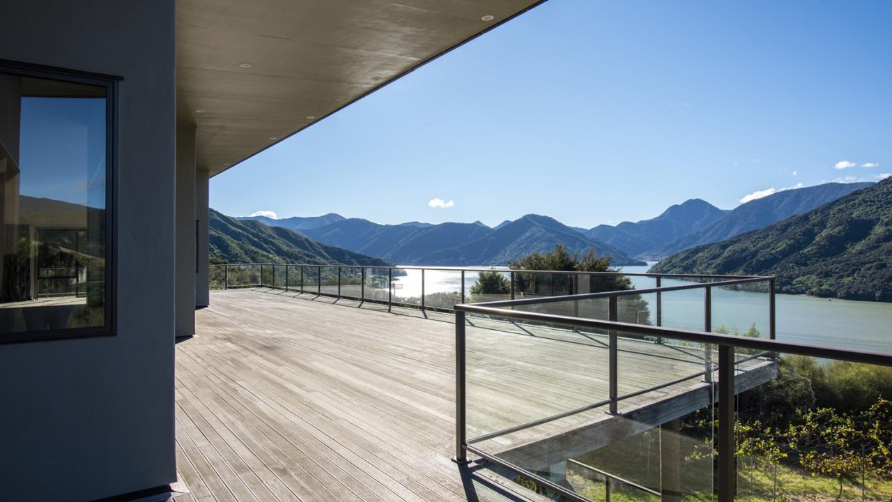 * Queen Charlotte Drive, Te Puia Heights, Marlborough Sounds