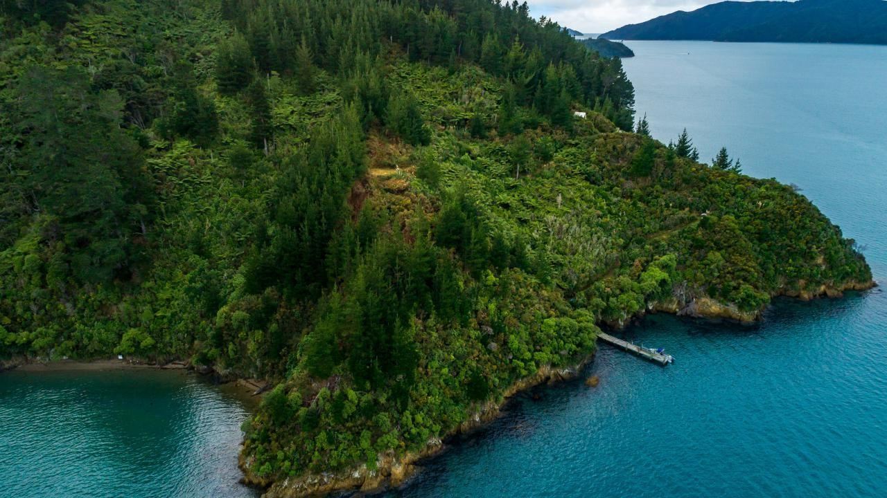 0 Snake Point-Bay Of Many Coves, Queen Charlotte Sound