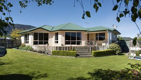 5 Admiralty Place, Waikawa