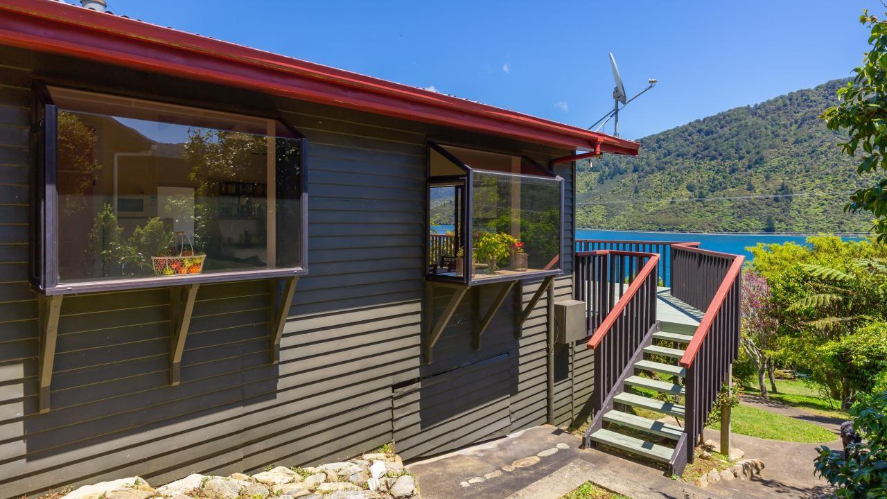 0 The Pines, Endeavour Inlet