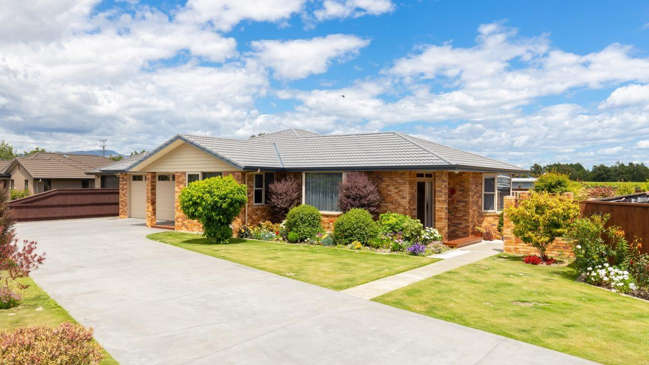 8 Clearwater Place, Mayfield