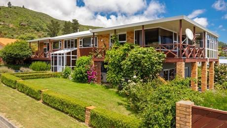 12 Matai Place, Waikawa Bay