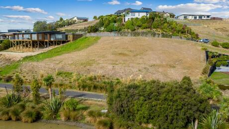 20 Lake View Place, Fairhall