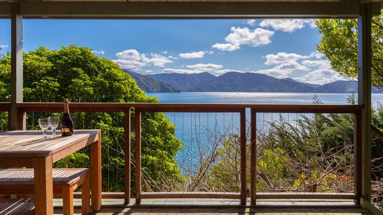 East Bay, Queen Charlotte Sound