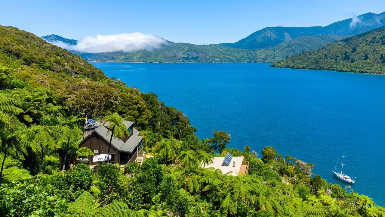 Bluewater Lodge, Endeavour Inlet, Queen Charlotte Sound