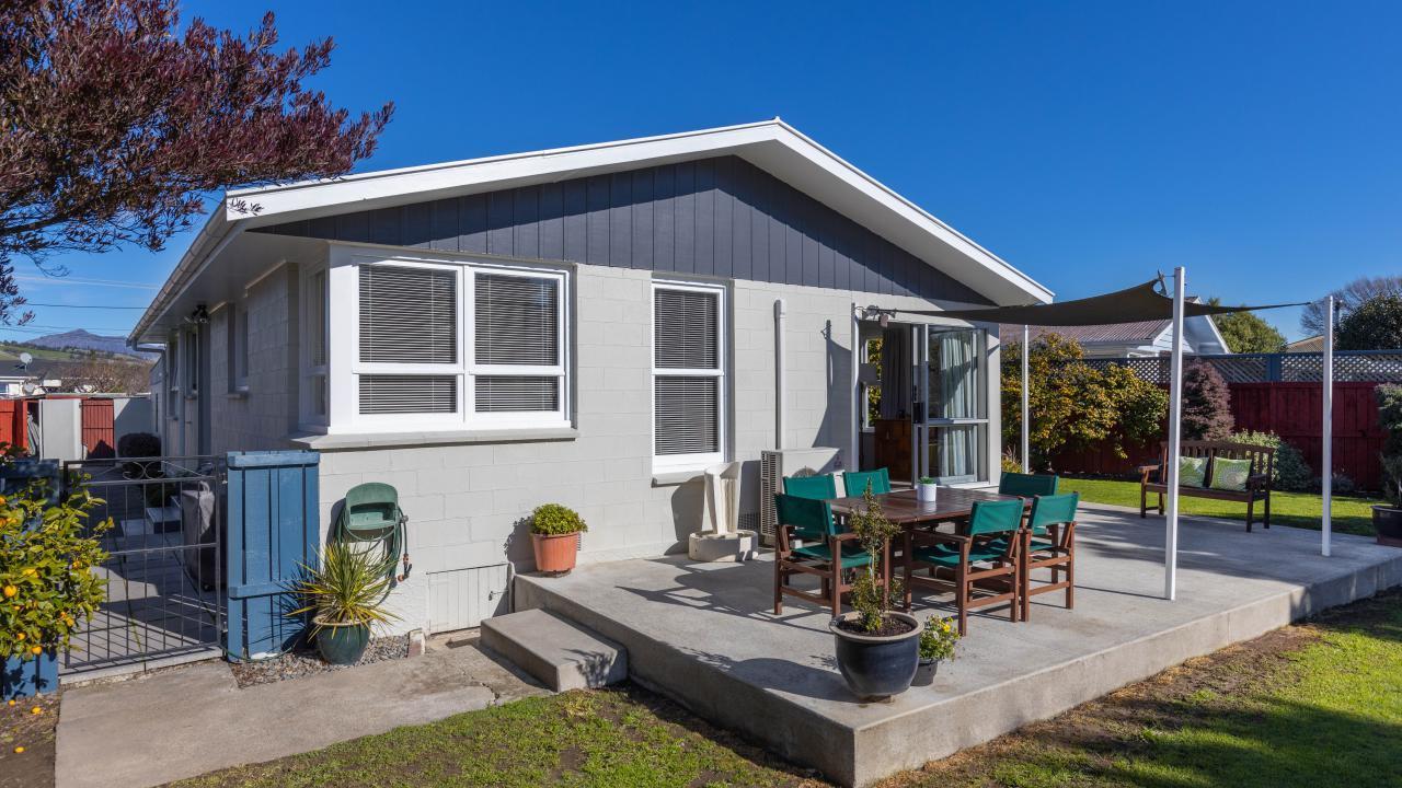 19 Rudd Crescent, Redwoodtown