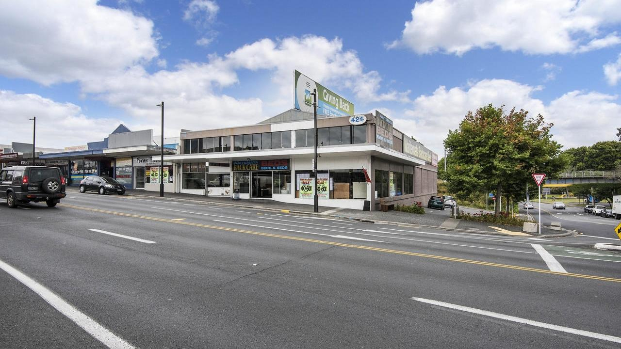 424 Great North Road, Henderson, Auckland