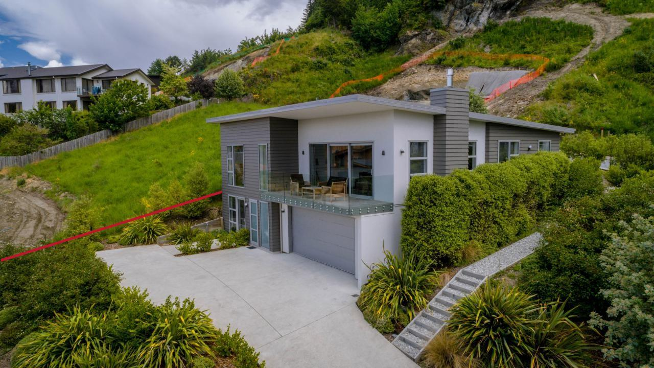 3 St Peters Place, Queenstown Hill