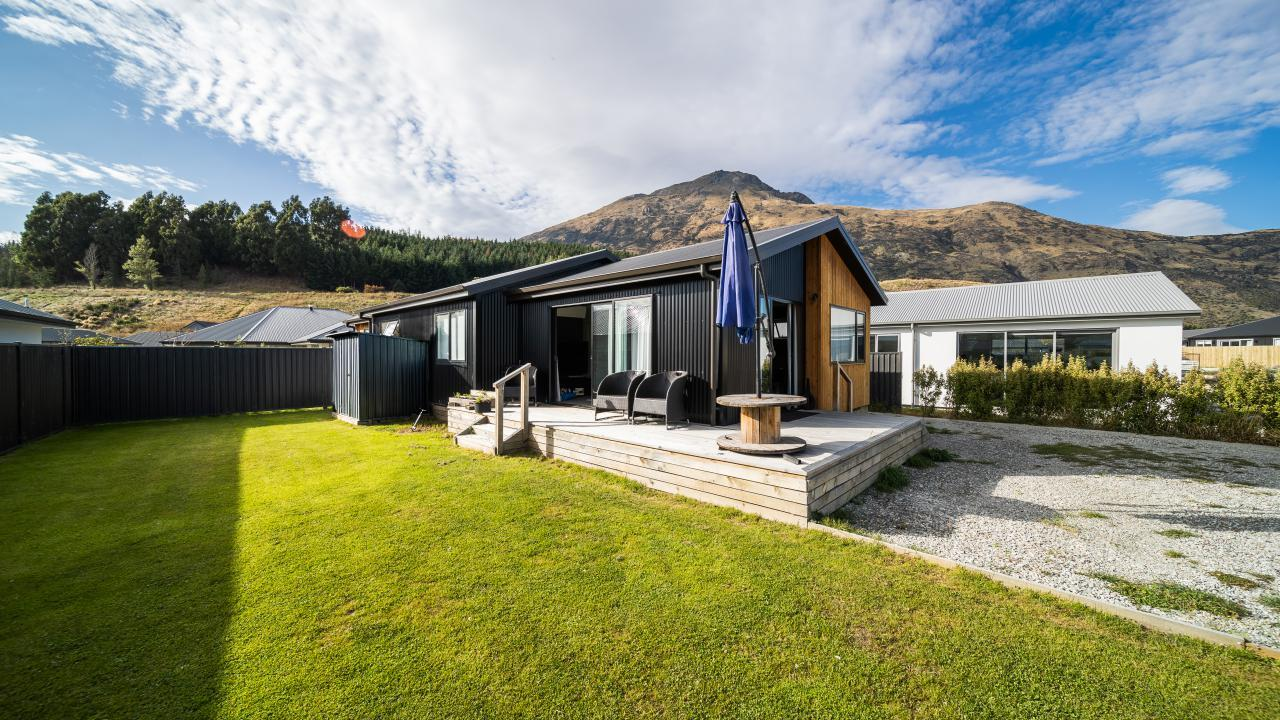 32 Silver Street, Lower Shotover