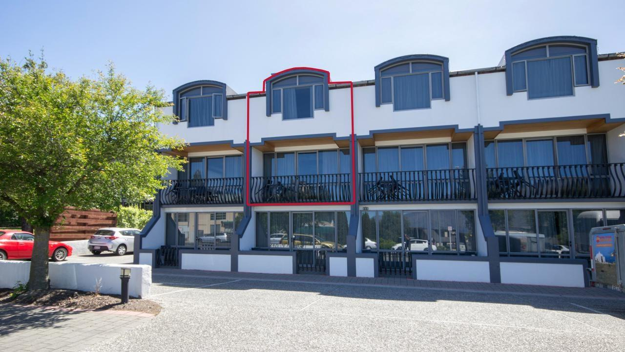 central queenstown apartment, owner moving north! - 207/52