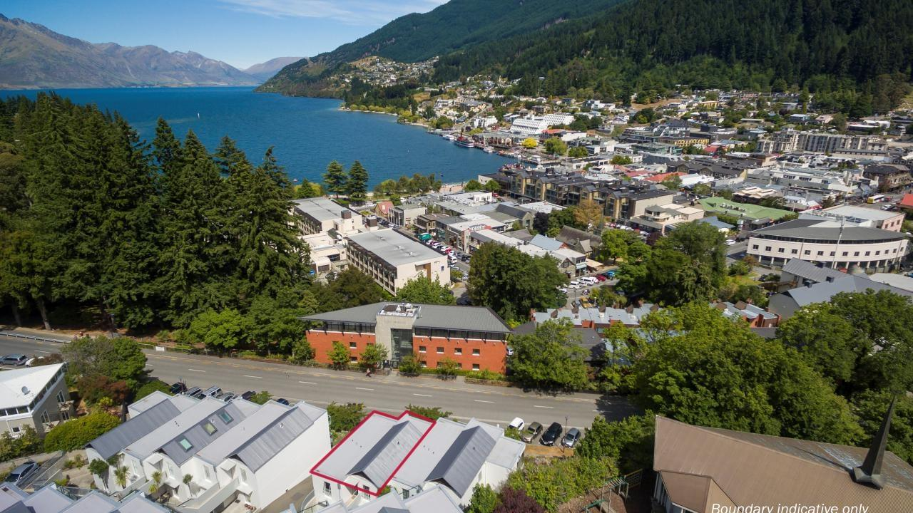 central queenstown apartment - 633/2-6 coronation drive