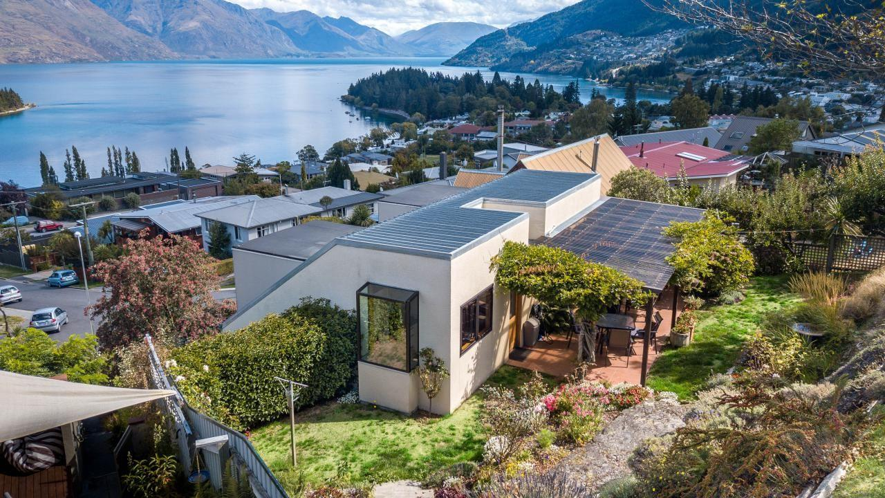 11 Panorama Place, Queenstown Hill