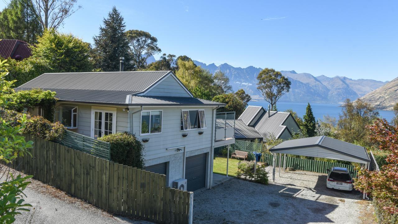 2 Evergreen Place, Sunshine Bay
