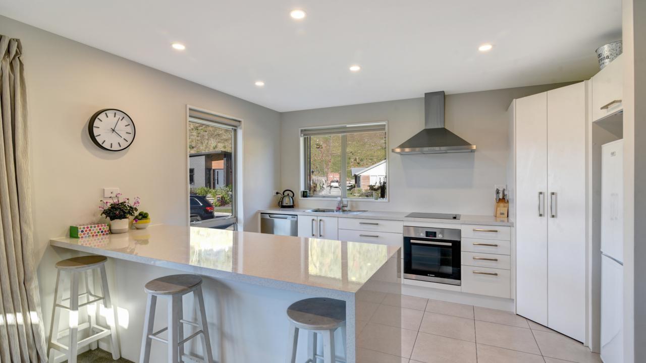 41 Risinghurst Terrace, Lower Shotover