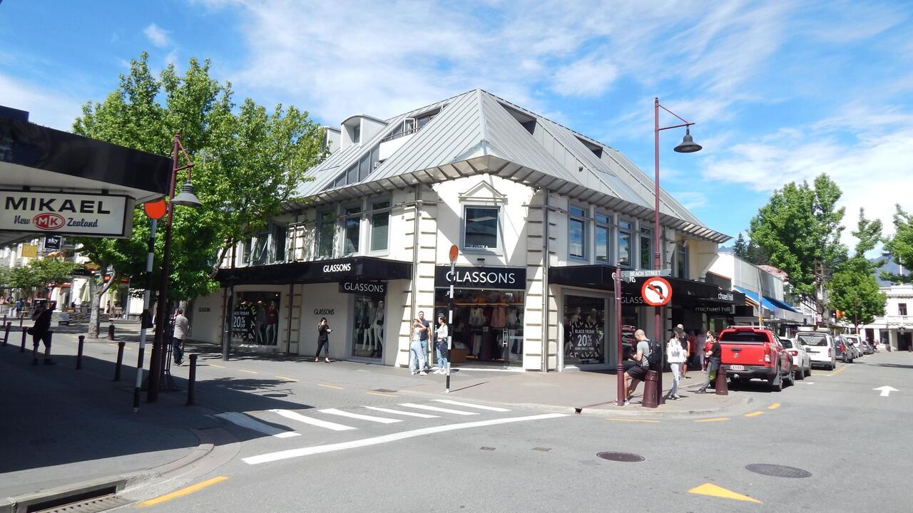 88 Beach Street, Queenstown
