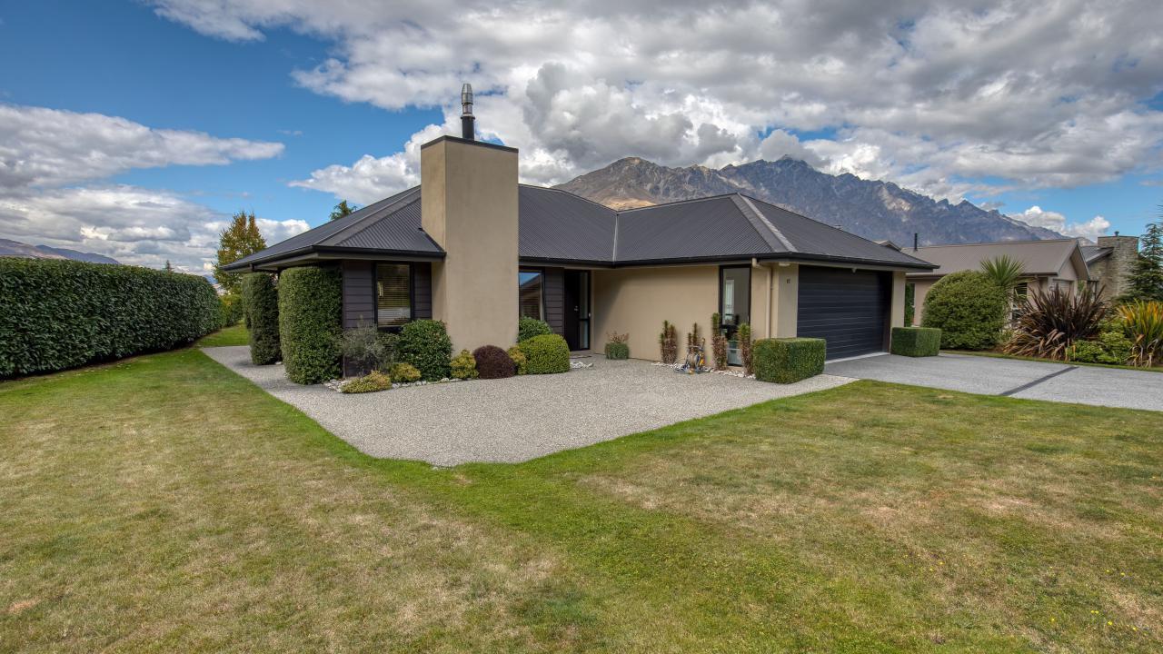 87 Ferry Hill Drive, Lower Shotover