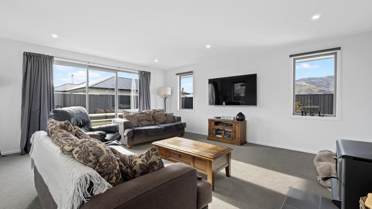 31 Olds Crescent, Cromwell