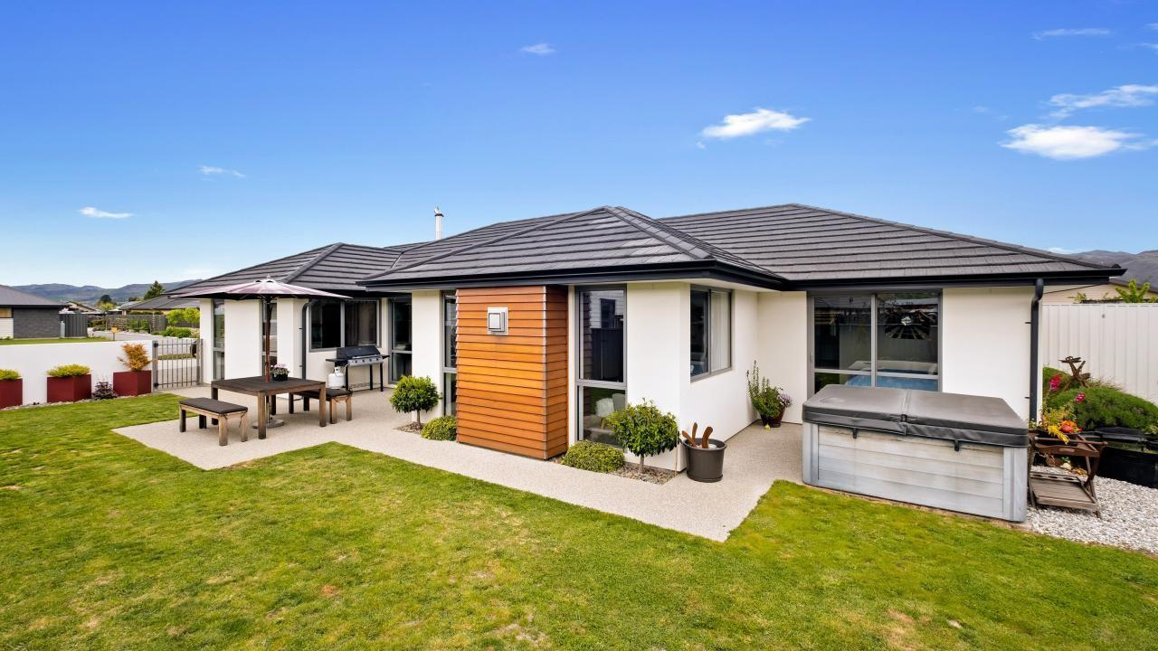 5 Magnetic Place, Cromwell