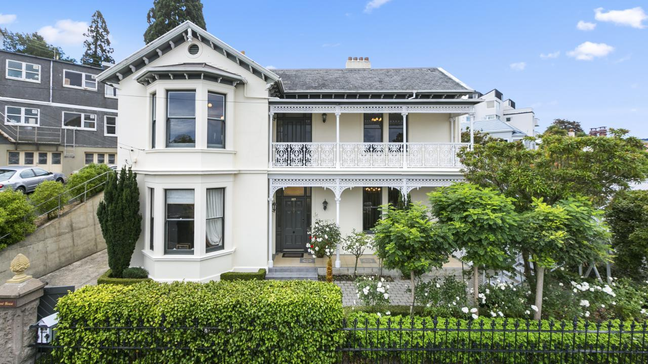 227 York Place, Central City