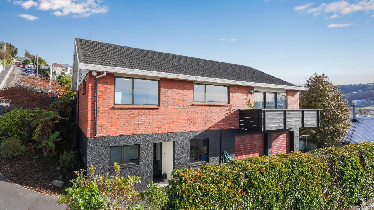 29 Easther Crescent, Kew