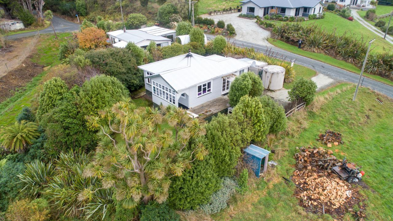 17 Carrickfergus Street , Waikawa Valley