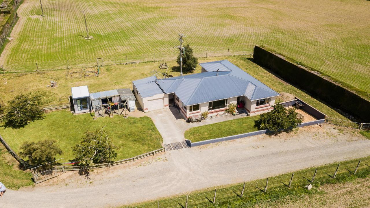 100 Fraser Road, Winton