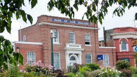 230 Great North Road, Winton