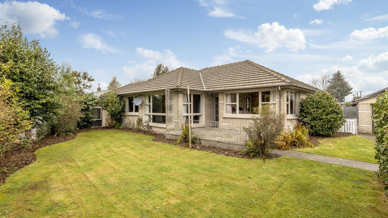 27 Clipper Place, Redwood