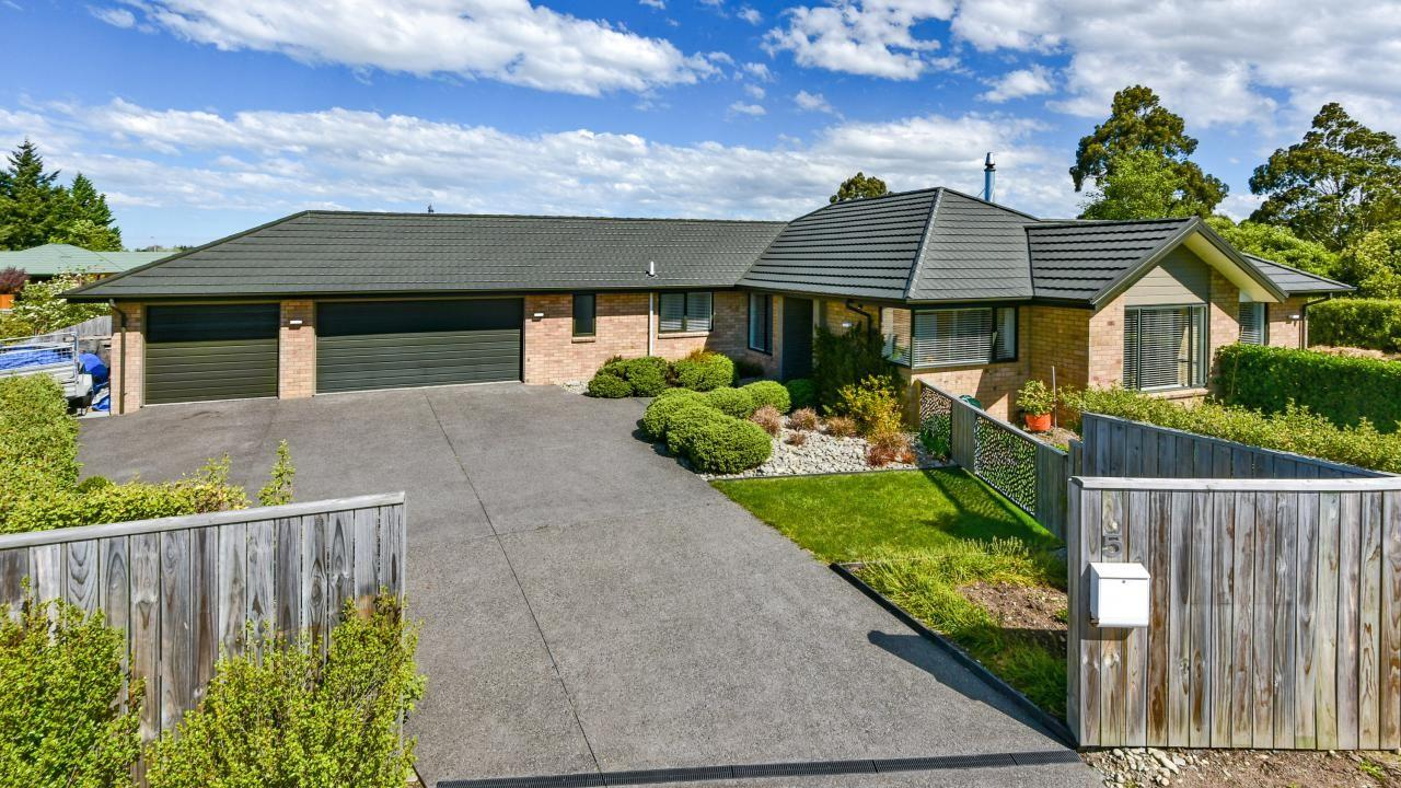 5 Perrin Place, Darfield