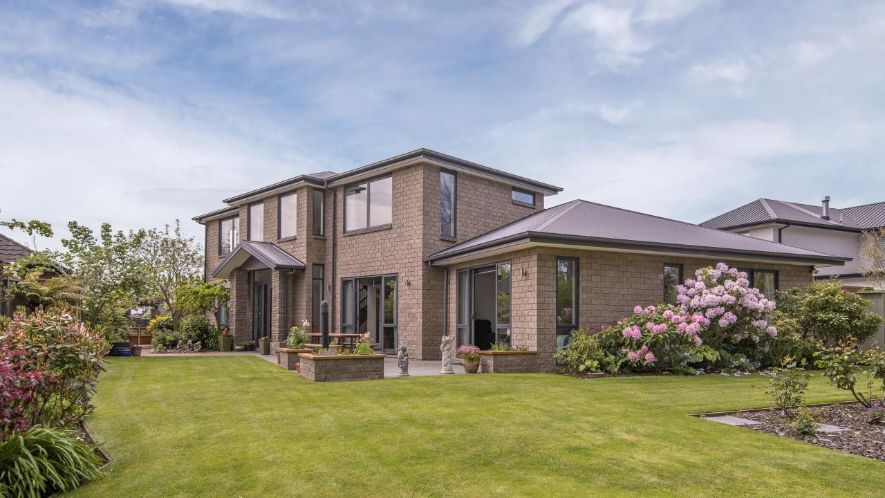 17 Rivers Edge, Northwood