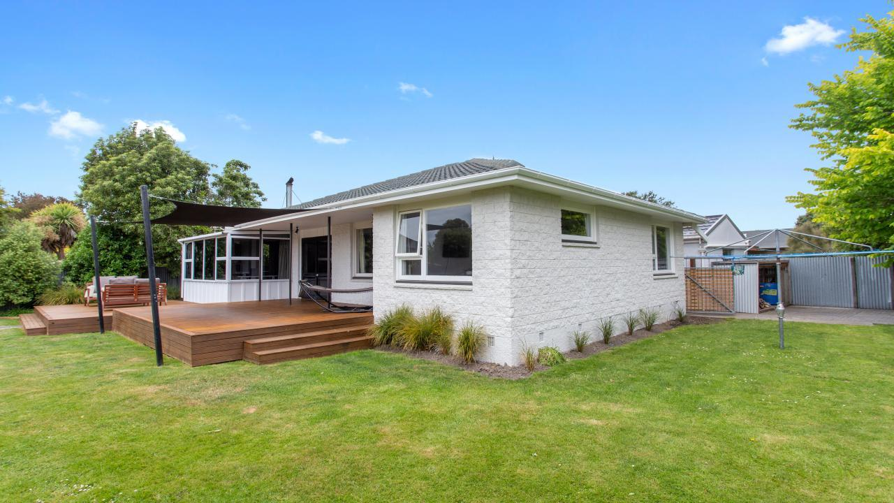 50 Woodend Road, Woodend