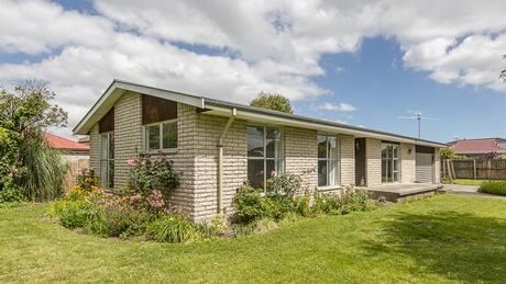 1 Cam Place, Harewood
