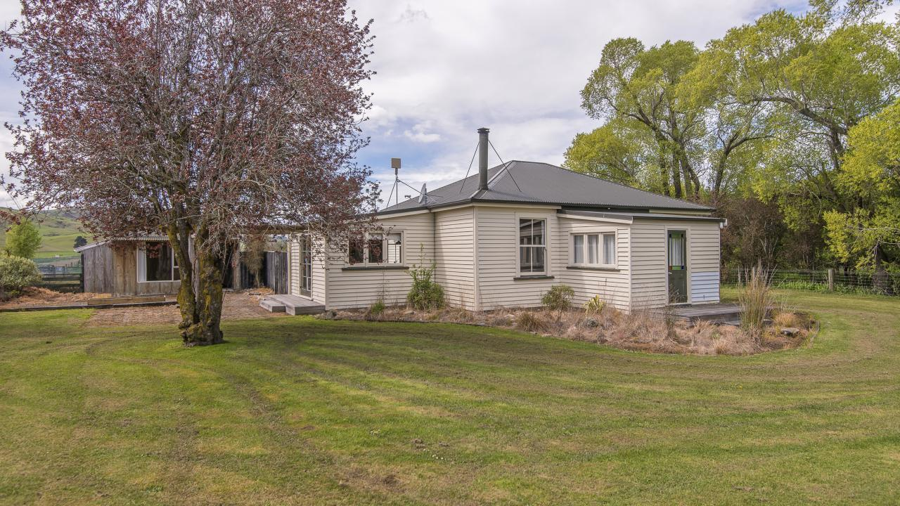 8 McRaes Road, Waikari