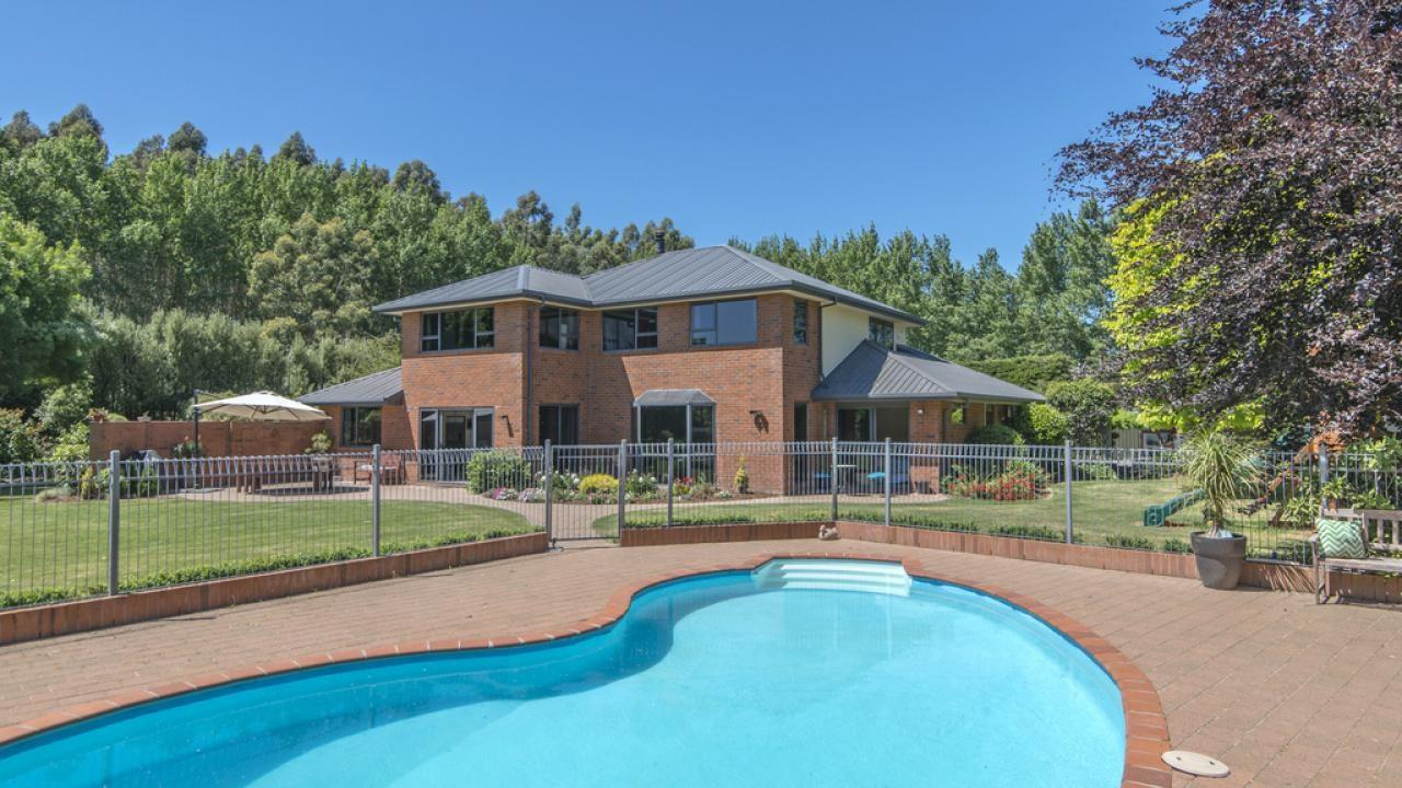 1585 Springs Road, Lincoln