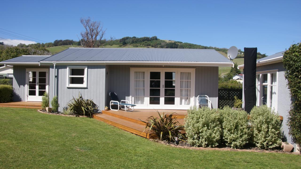 2 Pipers Valley Road, Duvauchelle
